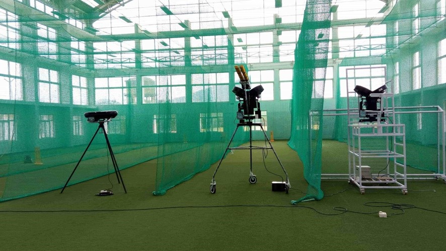 Range of Leverage Cricket Bowling Machines